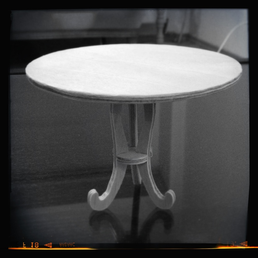 Dremel 4000 - Hello Kitty cafe table 2