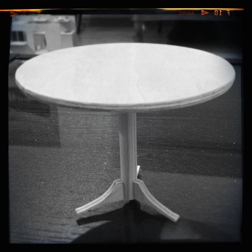 Dremel 4000 - Hello Kitty cafe table 3